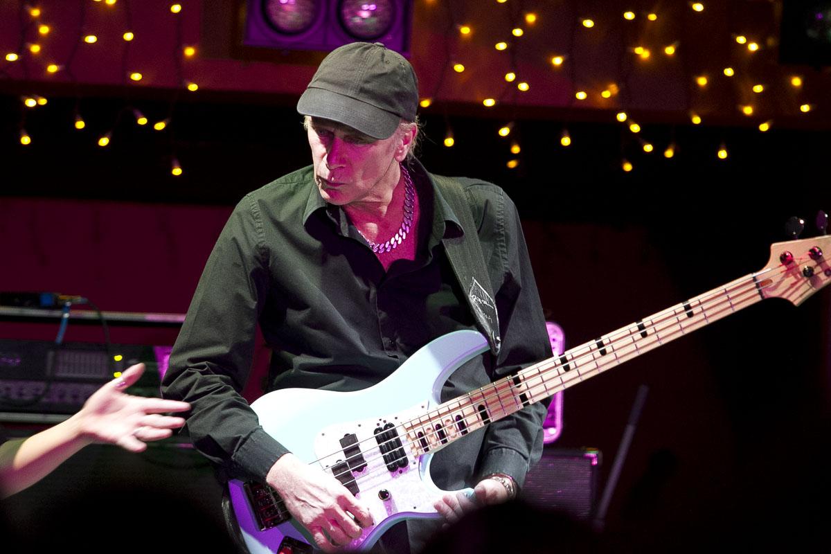 Король бас-гитары Билли Шихэн: видео-мастер-класс на Портале 66.ru