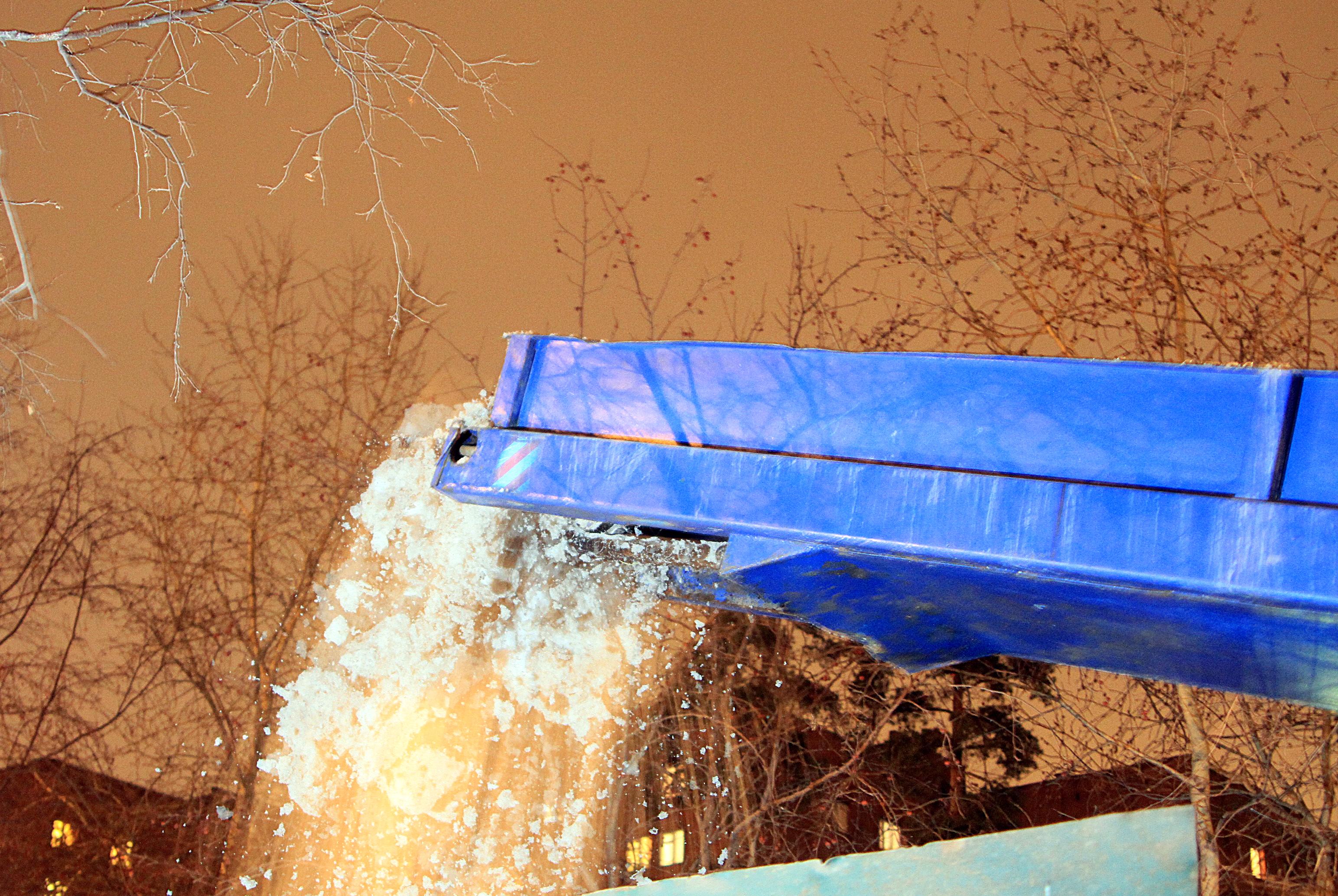 Ночная смена: контролируем уборку снега с улиц города