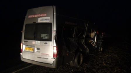 Междугородняя маршрутка попала в аварию на трассе
