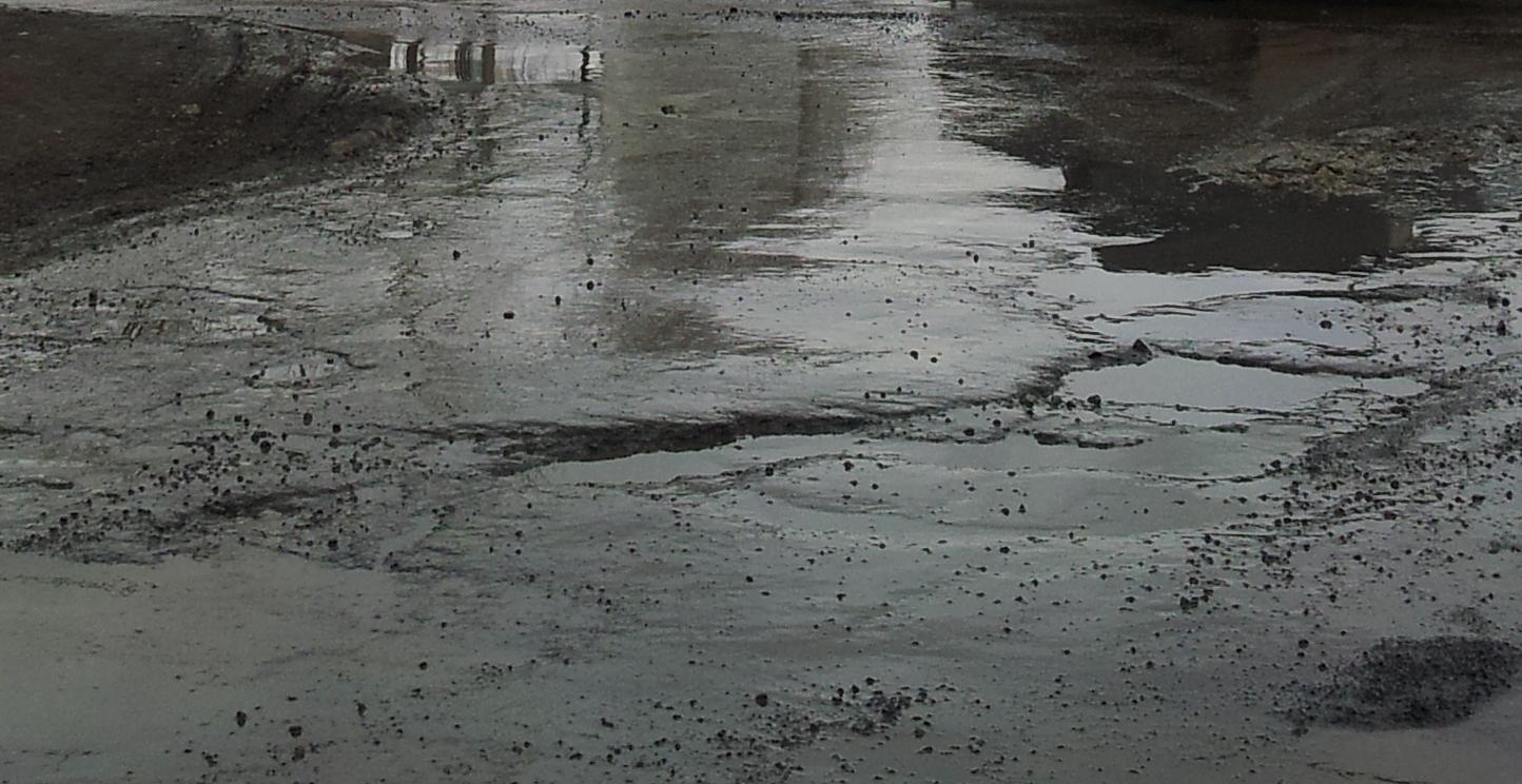 Мэрия: ремонтировать дороги после парада Победы — денег нет