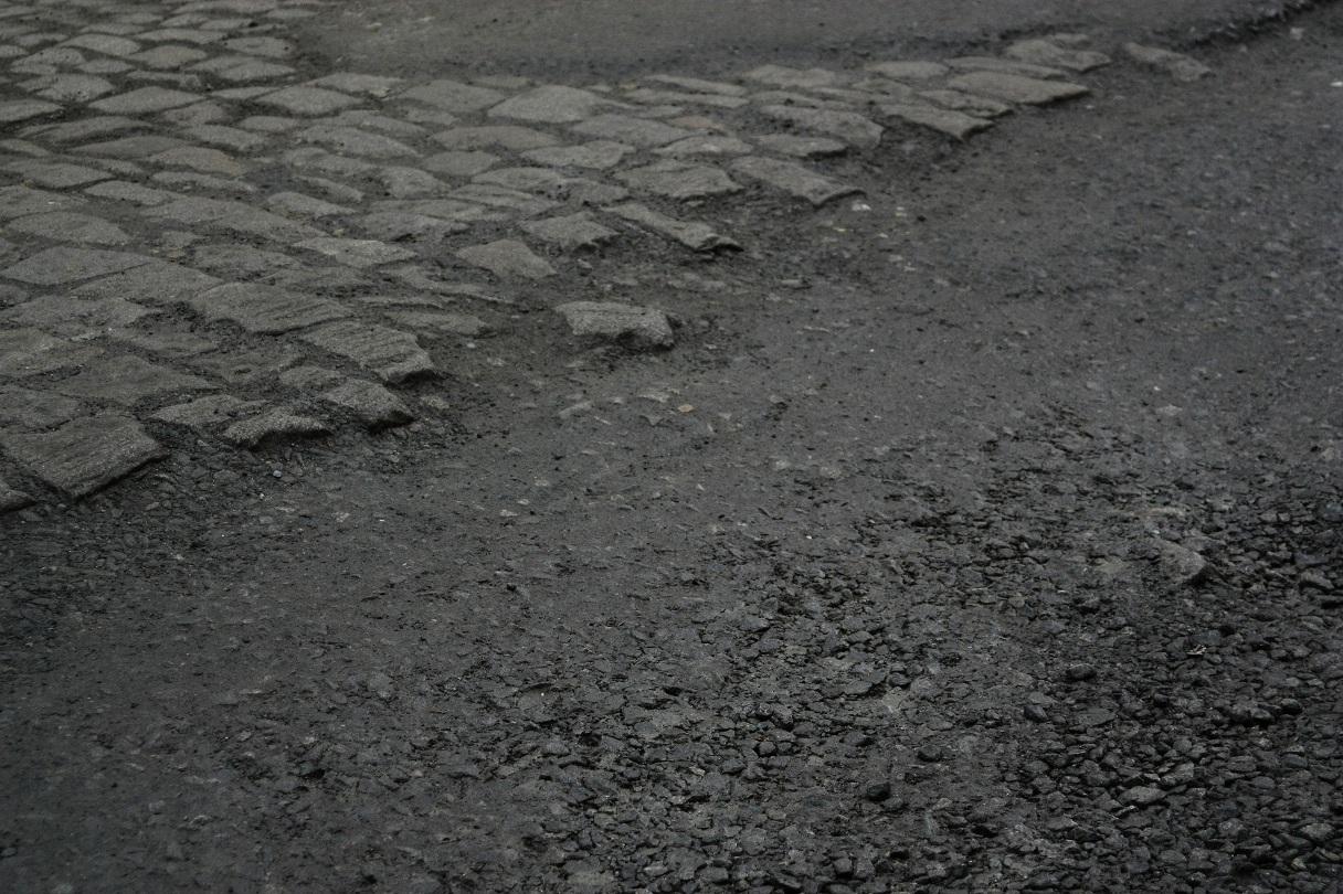 ГИБДД призывает свердловских водителей жаловаться на дорожников