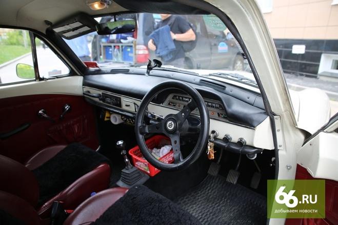 Автомобилисты попросили главу МВД разрешить обучение на праворульных авто