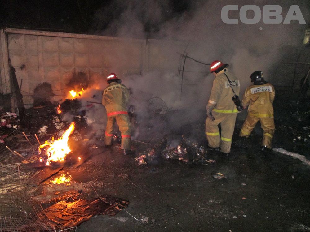 Возле «Таганского ряда» сгорели две торговые палатки