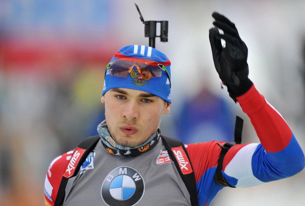 Из-за неточной стрельбы биатлонист Шипулин остался без золота на этапе Кубка мира