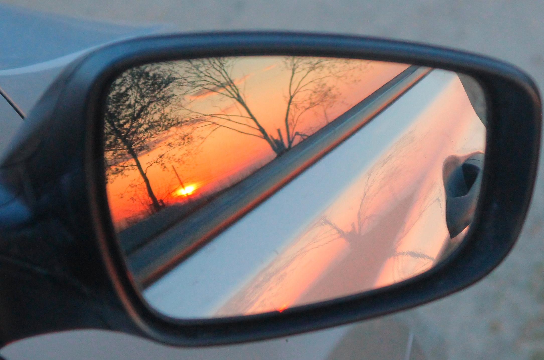 Шубы и солнечные очки: морозная и безоблачная погода пришла в Екатеринбург до понедельника