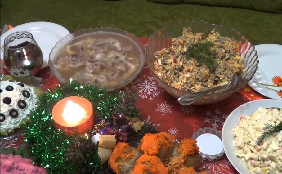 Обжорство, пьянство и мотовство: депутаты считают новогодние праздники слишком длинными