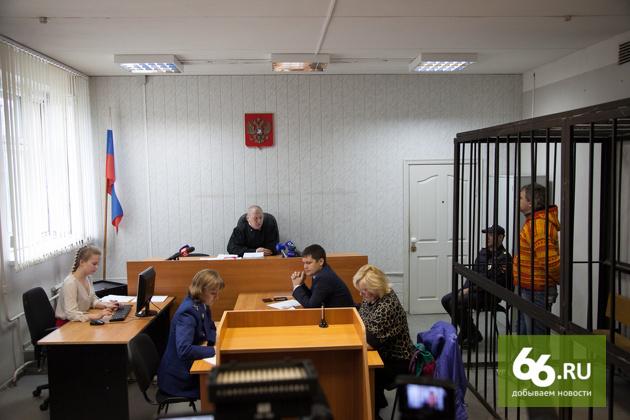 Дмитрий Лошагин опровергает версию следствия: «Попробуйте поднимите коробку весом 50 кг»