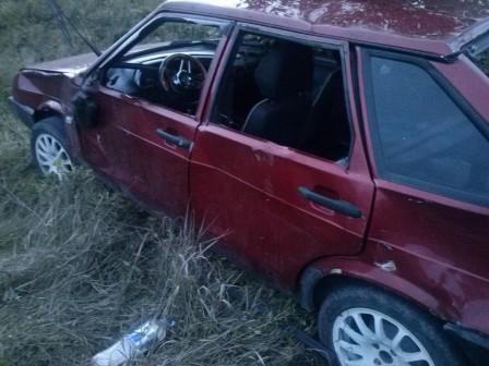 Под Серовом пьяный водитель опрокинул машину в кювет и погиб