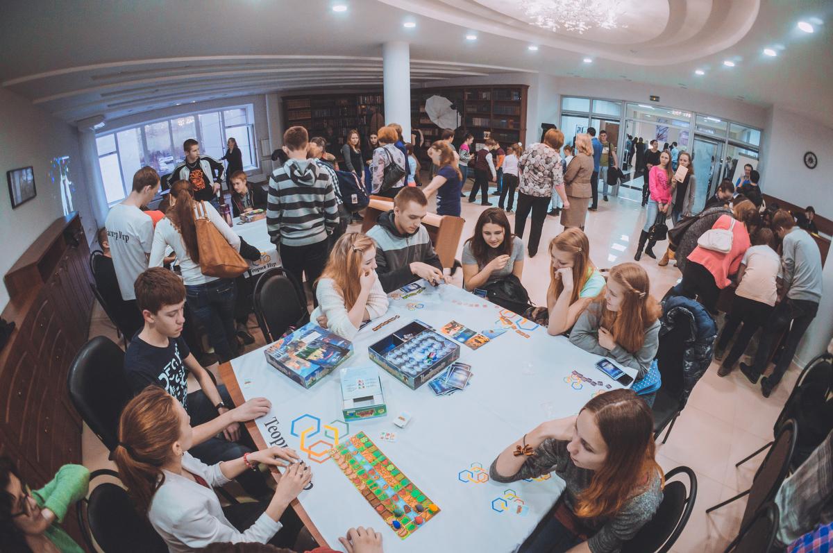 Поэзия, квесты, звезды: в Екатеринбурге прошла «Библионочь-2015»