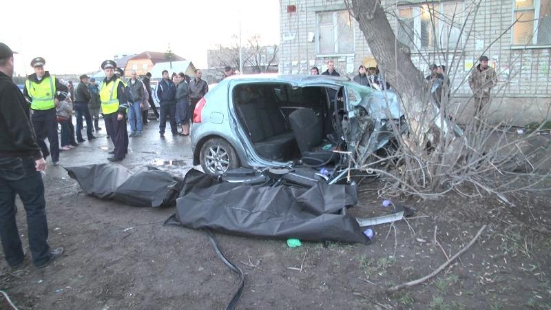 Два человека погибли в аварии на улице Бисертской