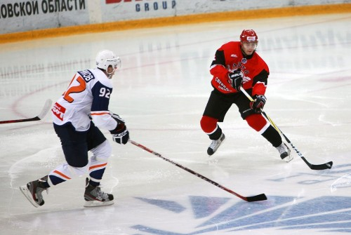 Хоккеисты «Авто» начали 2013 год с победы