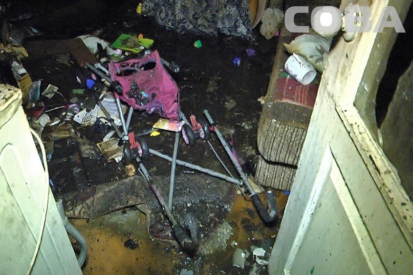 При пожаре в доме на Патриса Лумумбы погибли пенсионерка и двое детей
