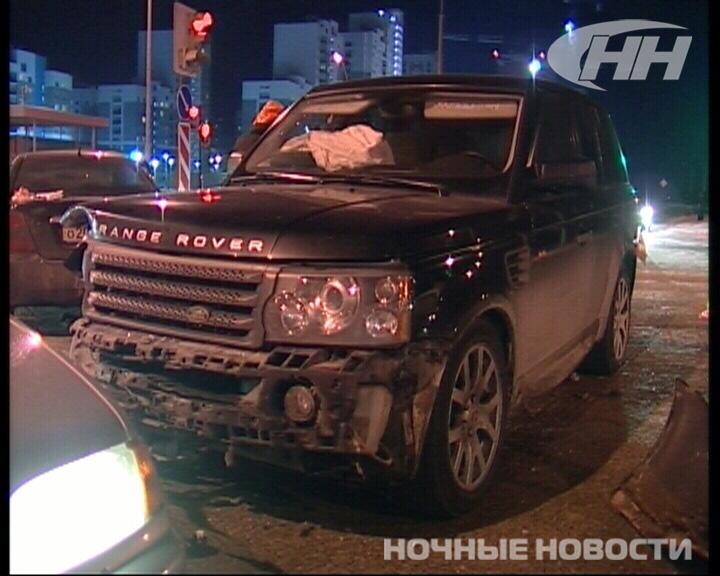 Три человека пострадали в аварии в Академическом
