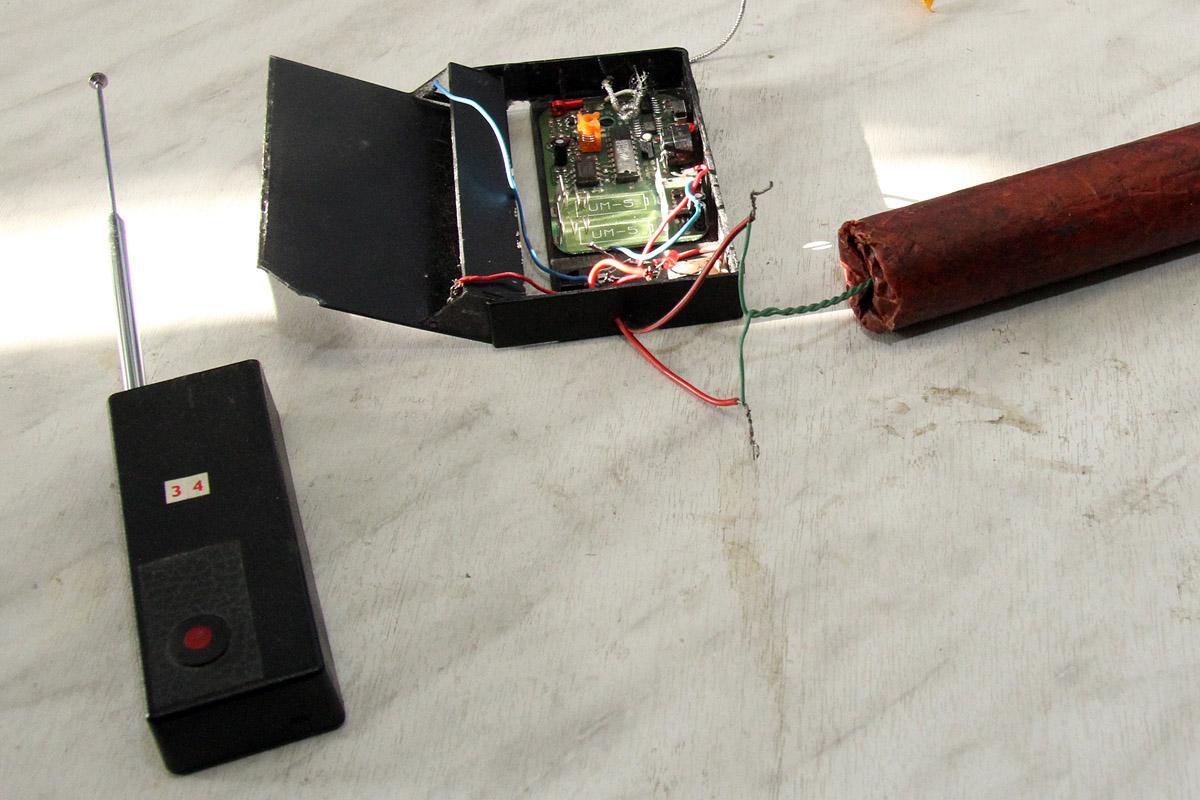 В Североуральске возле подъезда дома жильцы нашли коробку с «бомбой»