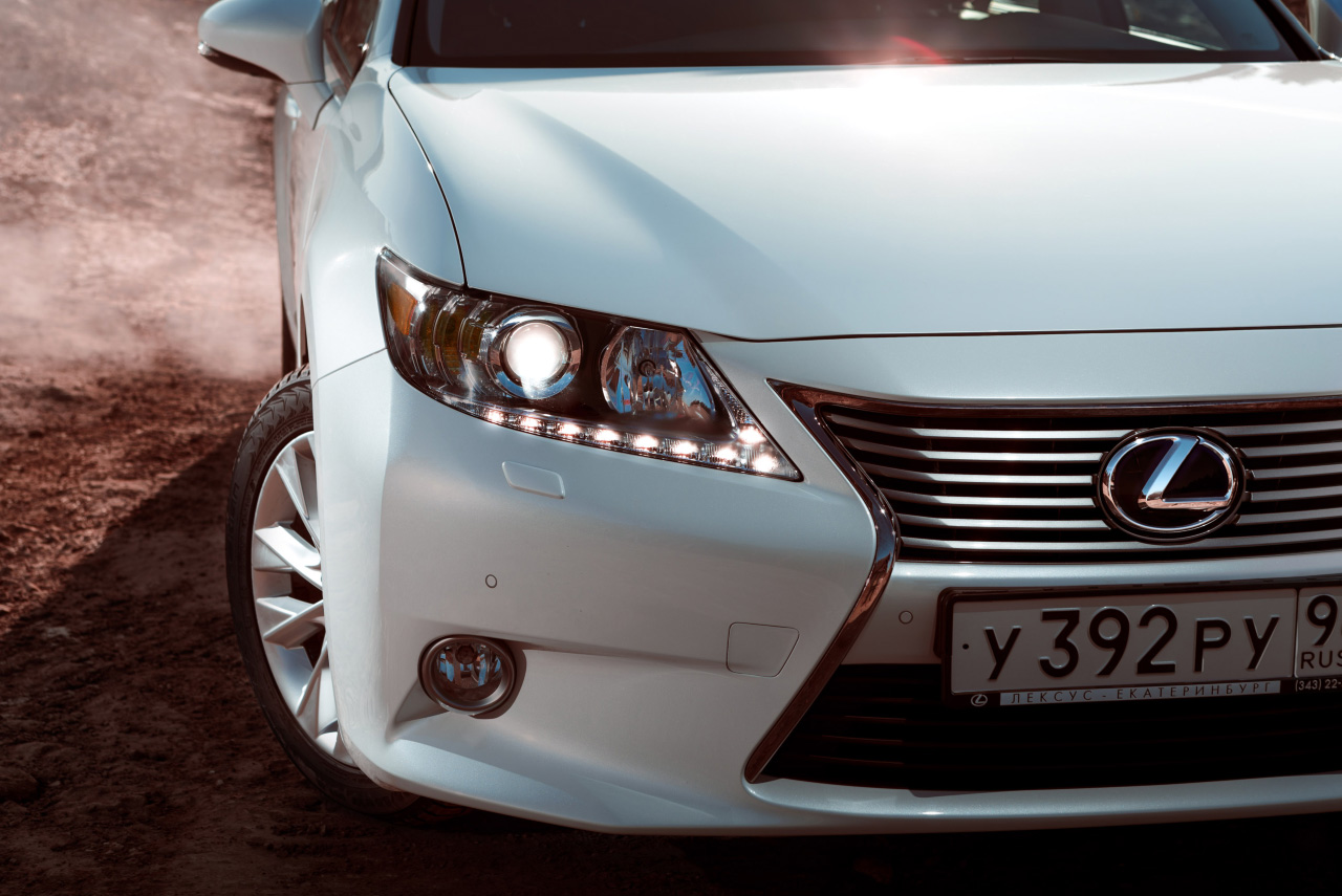 Lexus ES 300h: источник энергии