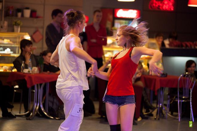 На майские праздники в Екатеринбург приедут танцоры со всей страны