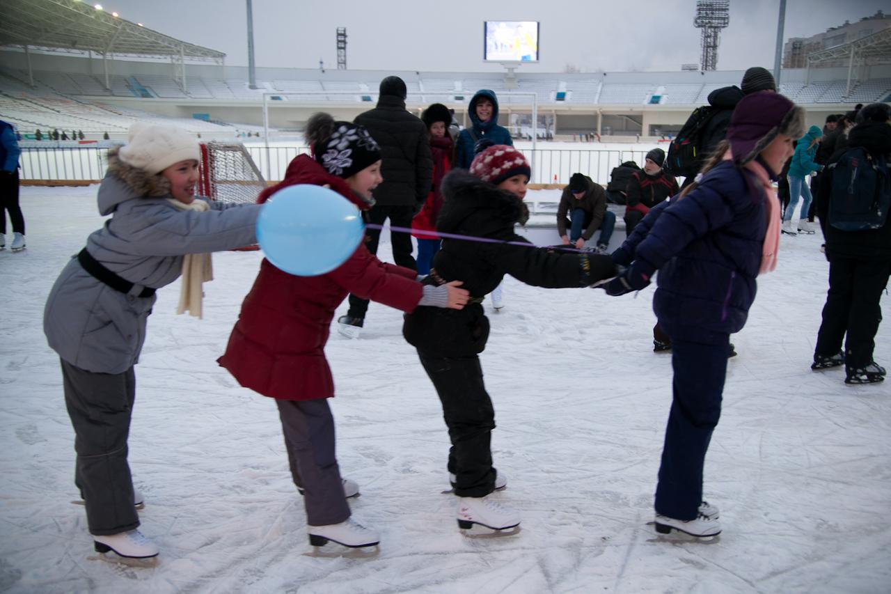 Сезон объявляем открытым: коньки на ноги — и на лед!