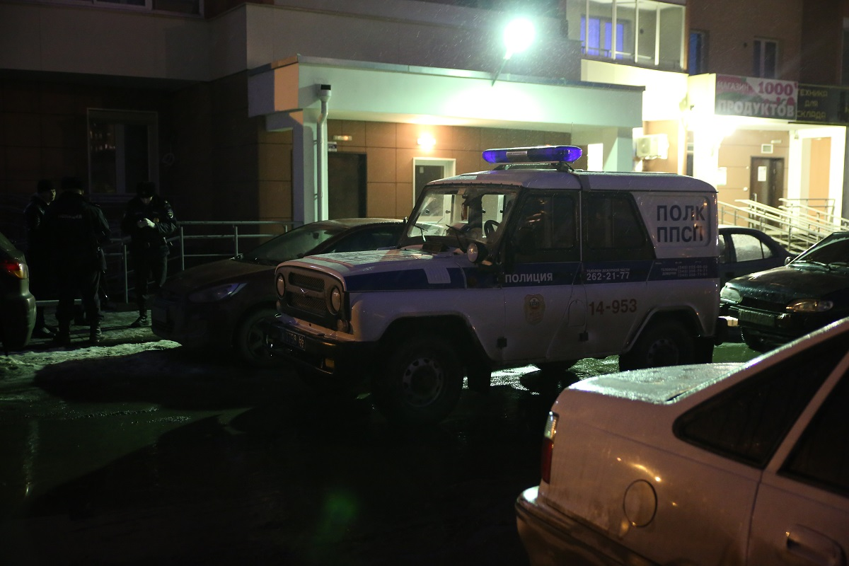 Мужчина на Эльмаше покончил с собой, когда его не пустила в квартиру бывшая жена