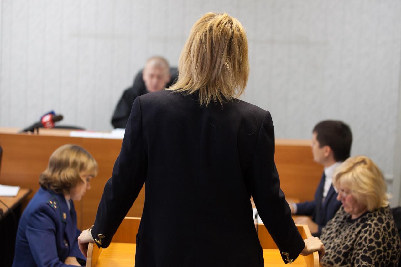 Мать погибшей Лошагиной: «Муж запирал Юлю на балконе и бил»