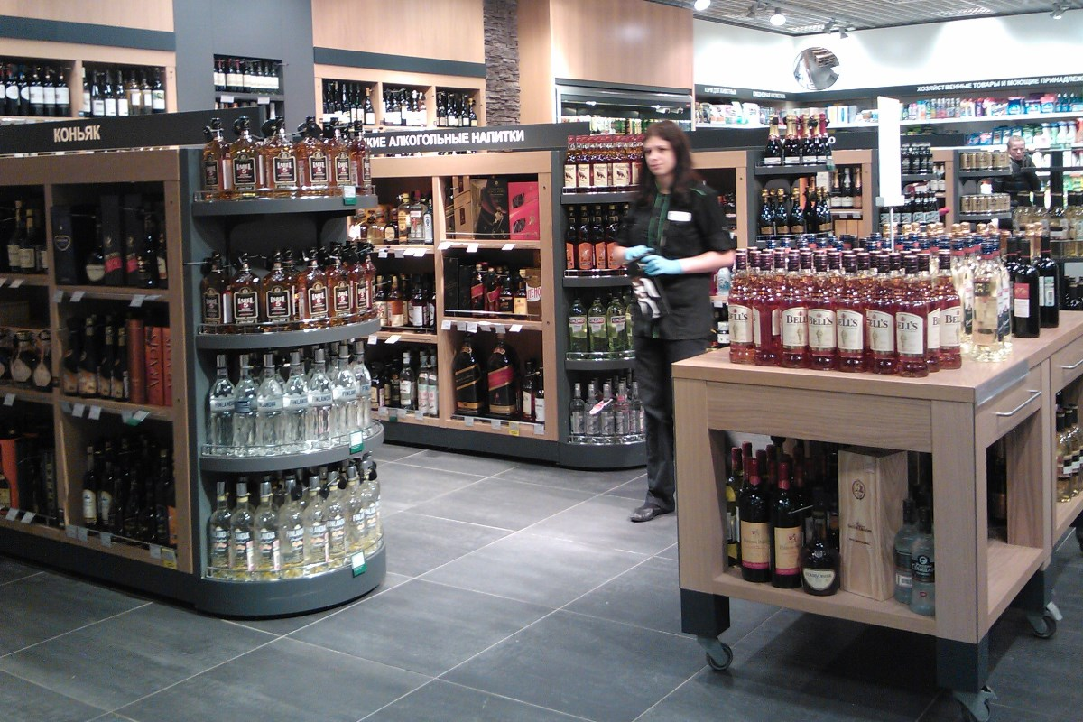 Депутаты Госдумы решили убрать алкоголь с прилавков магазинов