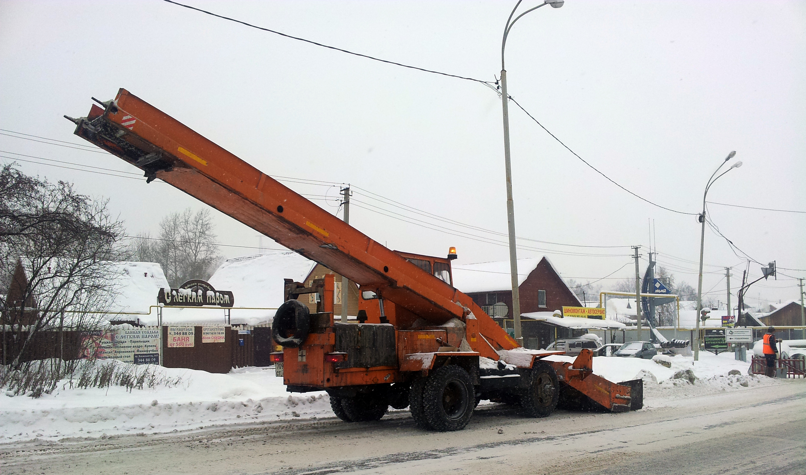 За минувшие сутки с улиц города вывезли более 30 тысяч тонн снега