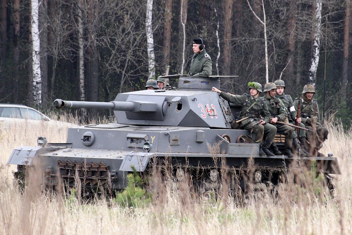 В Еланском гарнизоне в солдата выстрелили из танка