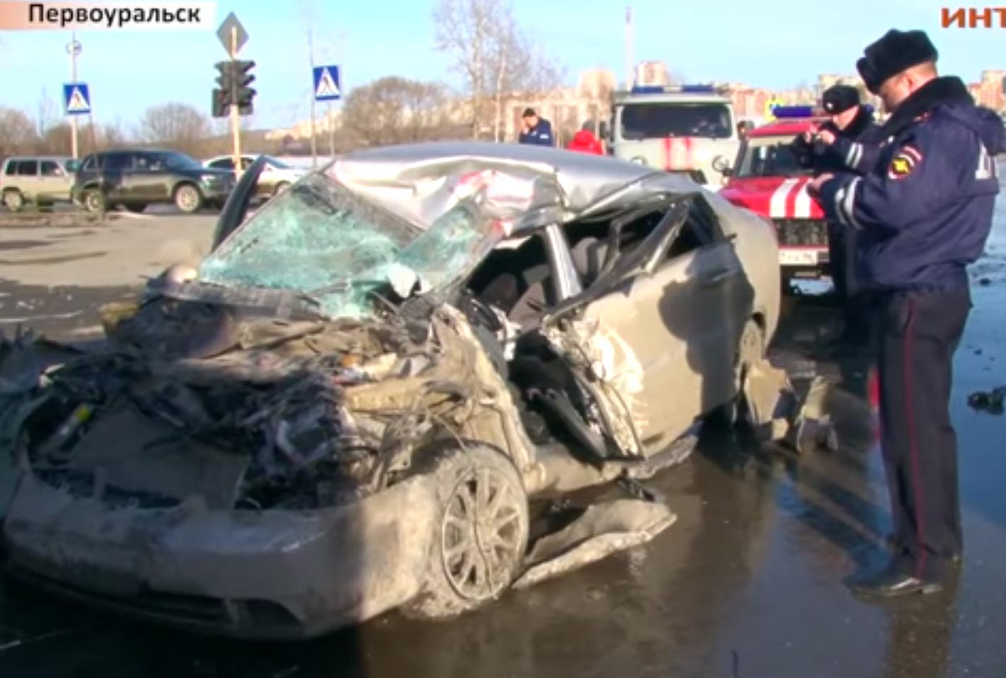 Родственники водителя, погибшего после ДТП с пожарной машиной в Первоуральске, ищут свидетелей аварии