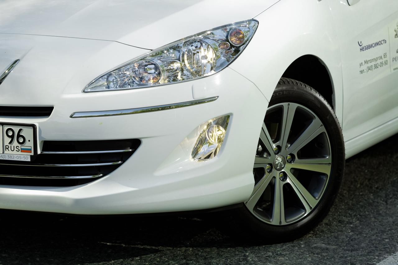 Народный седан Peugeot обзавелся дизельным мотором
