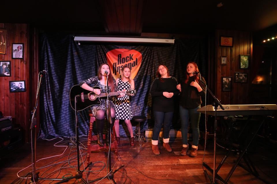 «Дни Макаревича» в Екатеринбурге: поклонники певца собрали концерт и готовят митинг