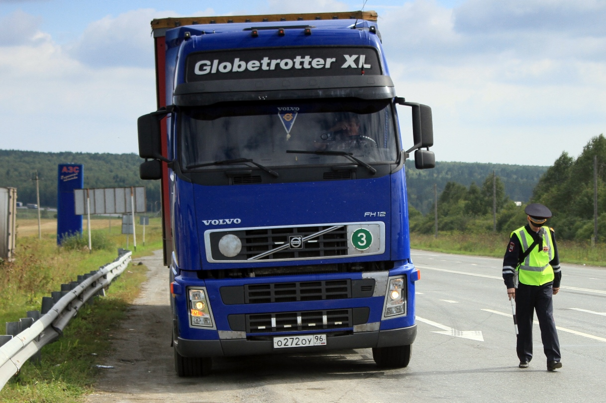 Владельцев грузовиков заставят платить за разбитые дороги