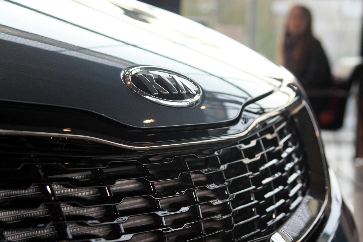 Клиенты в панике: Kia прекратила отгрузку уже оплаченных автомобилей