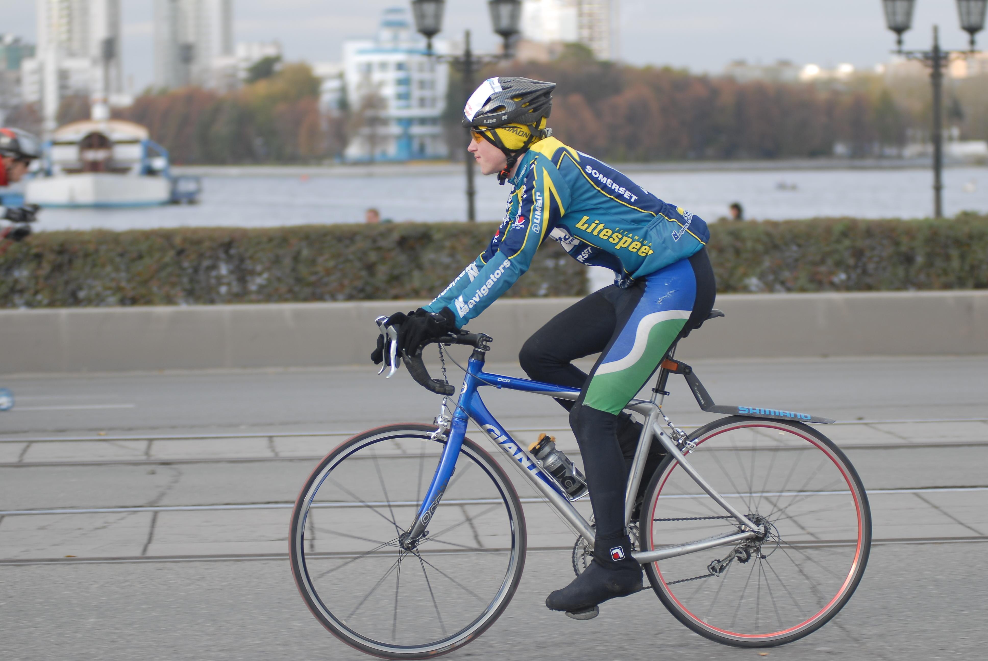 В субботу проспект Ленина отдадут велосипедистам