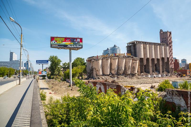 Элеватор мукомольного завода обрушился сам, не дожидаясь взрыва