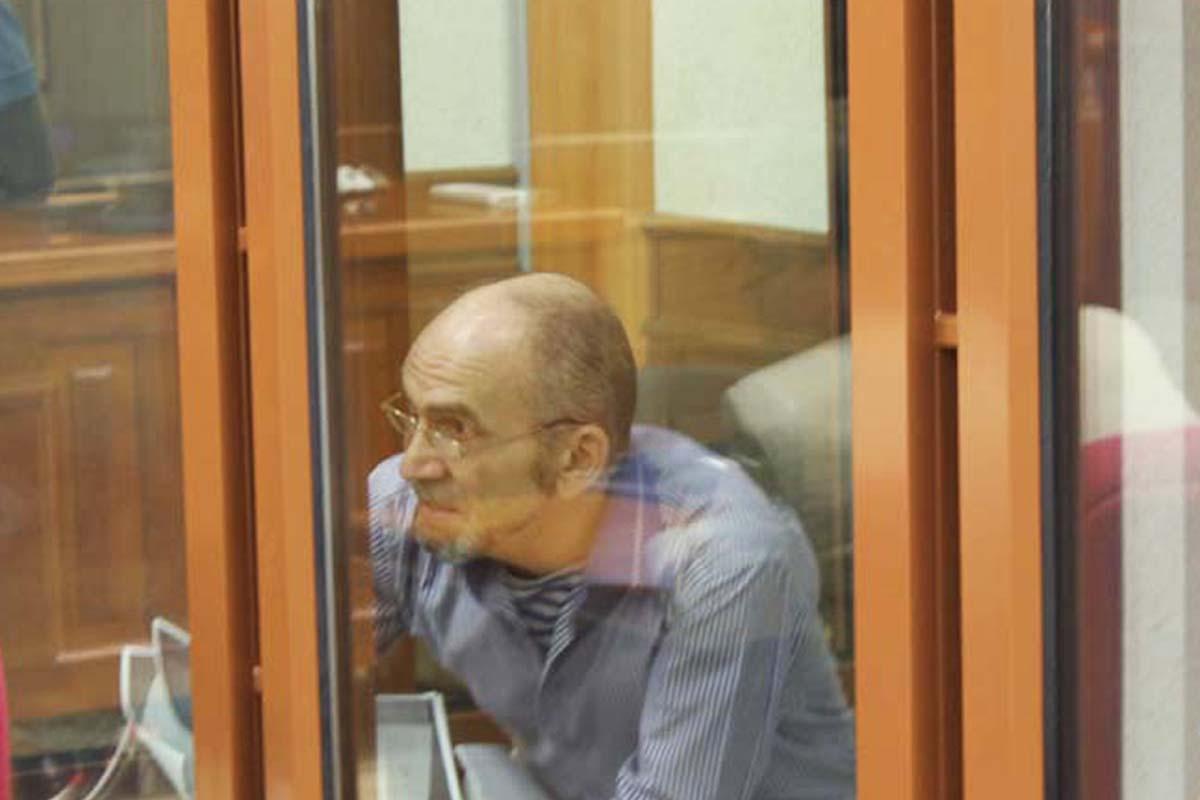 Репортаж из зала суда: Хабаров рассказал, кого водил на стрельбище УрФУ