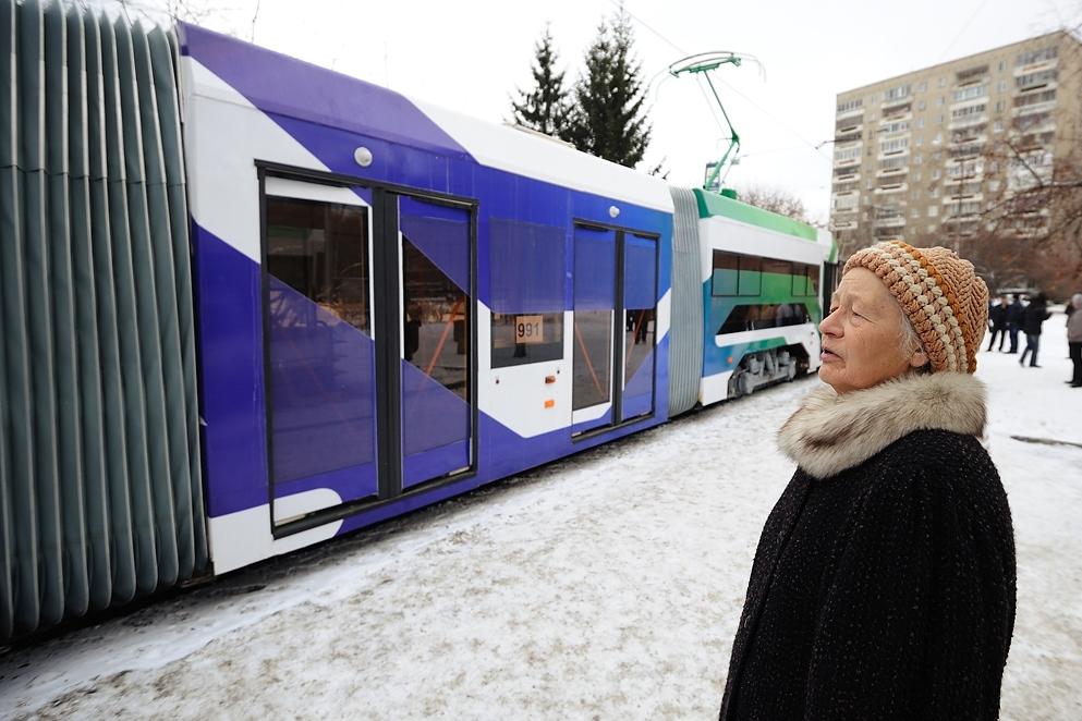 Мэрия Екатеринбурга заставит горожан передвигаться пешком и на трамваях