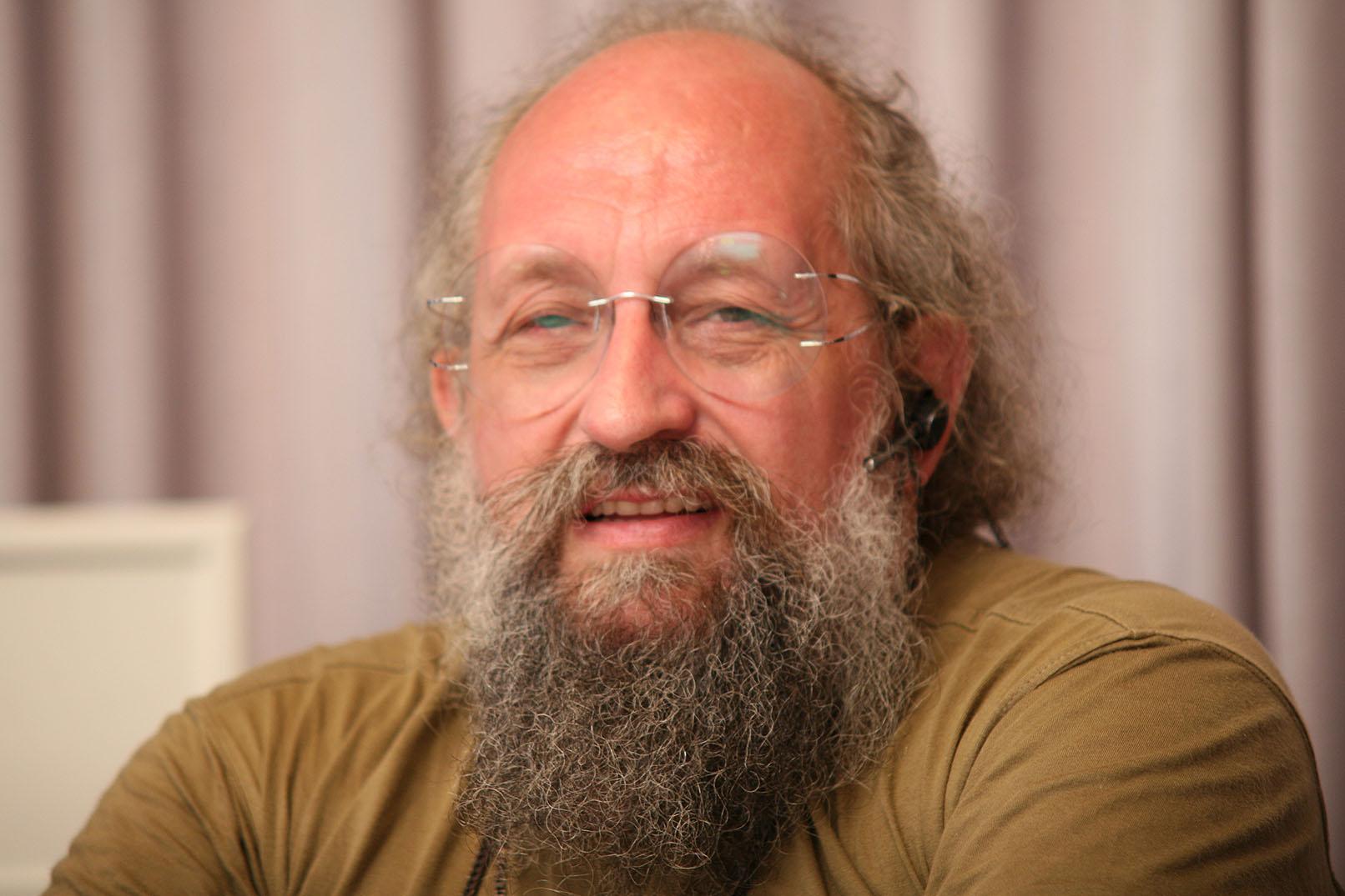 Анатолий Вассерман: «Власть и бизнес занимаются оглуплением граждан»