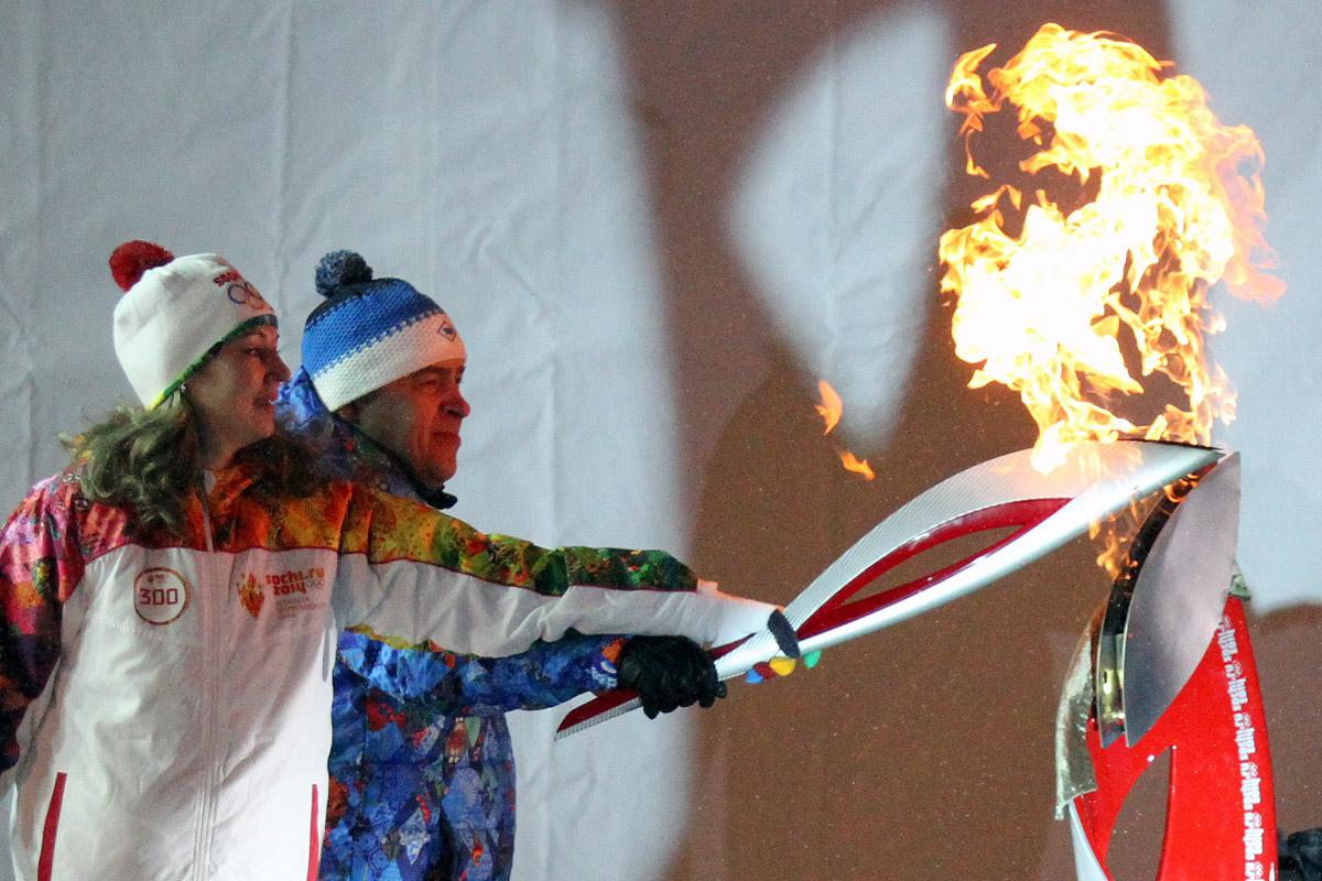 Все! Куйвашев отпраздновал окончание олимпийской эстафеты салютом