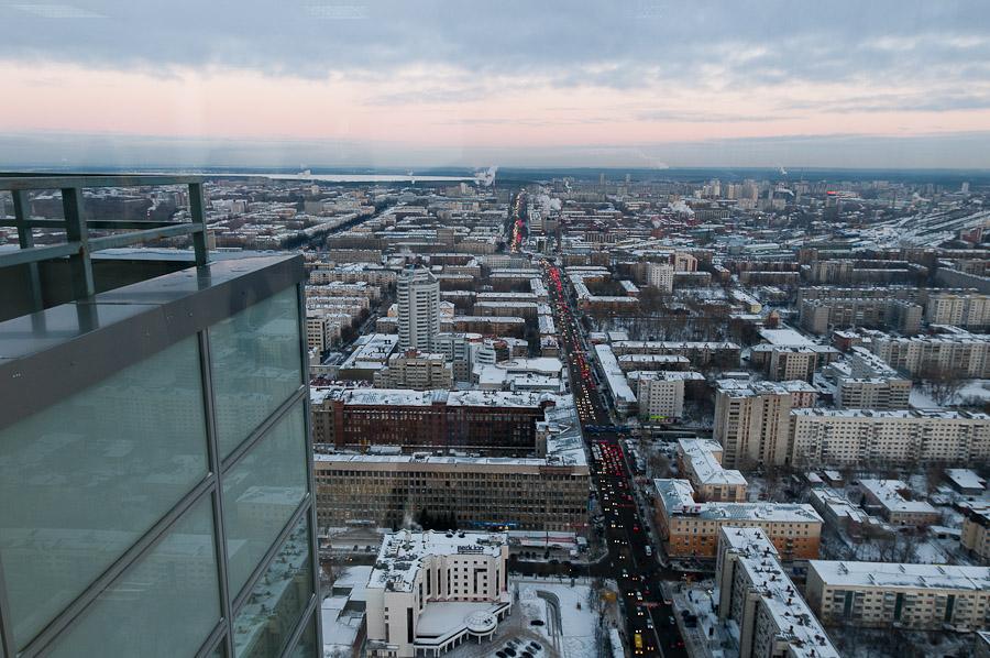 «Высоцкий» открыт! Подъем на 54-й этаж с киношниками и чиновниками