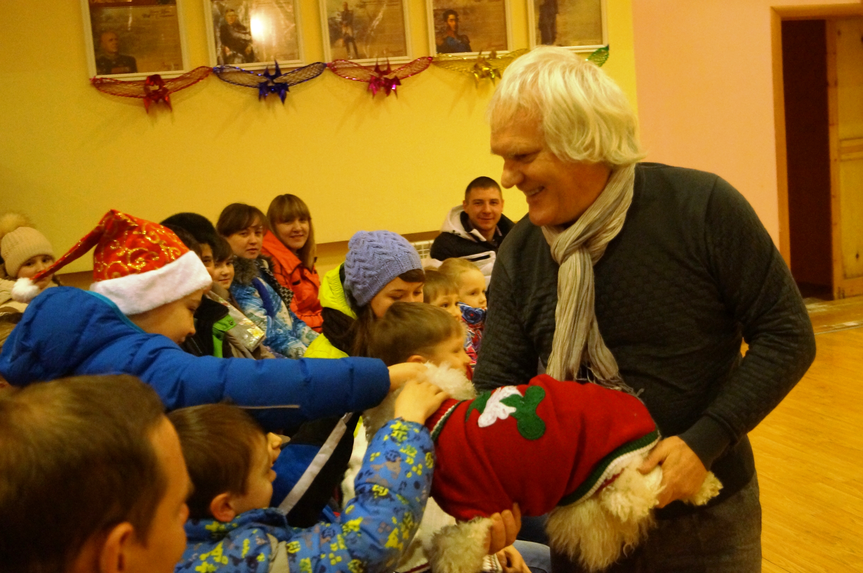 Юрий Куклачев привез в свердловскую колонию «Урок доброты», пса Паштета и кошку Картошку