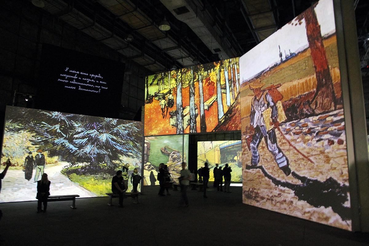 Тысяча картин, сорок экранов и полчаса времени. Австралийцы привезли в Екатеринбург видеошоу о жизни и смерти Ван Гога