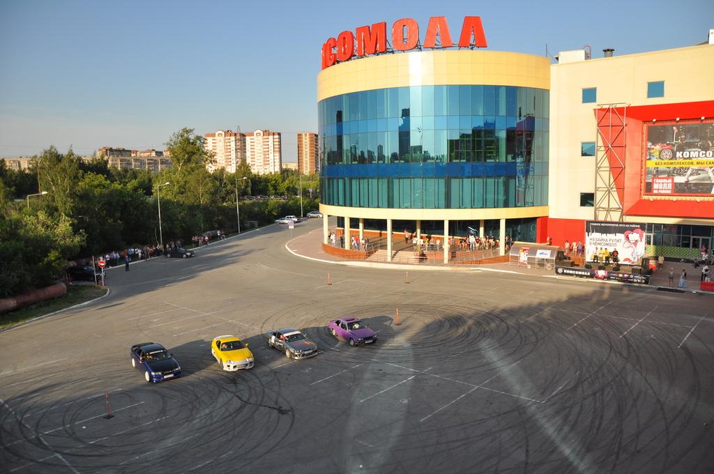 Параллельно и задом: в Екатеринбурге выберут мастера парковки