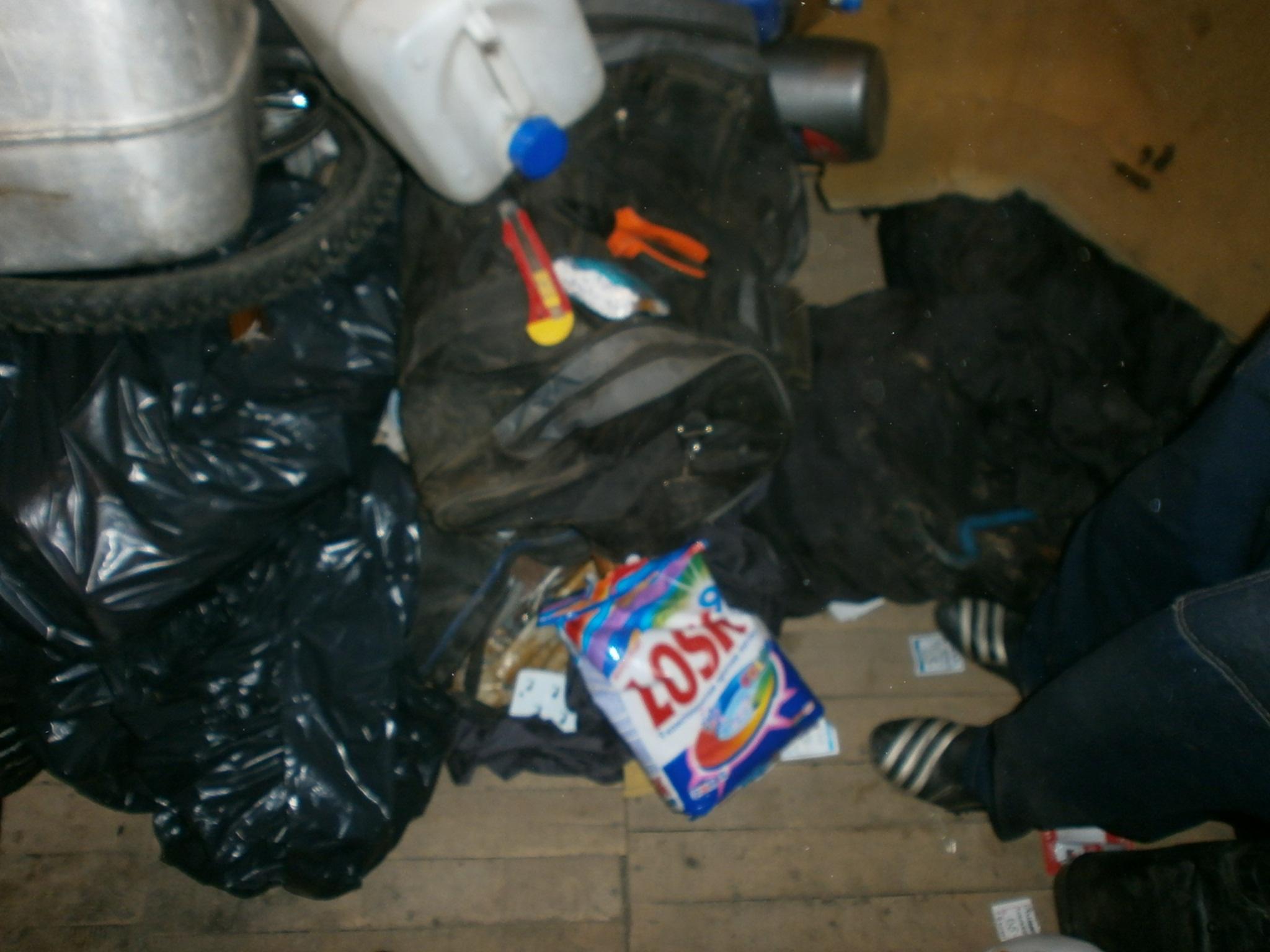 В Тагиле поймали похитителя дверей, картошки и стирального порошка