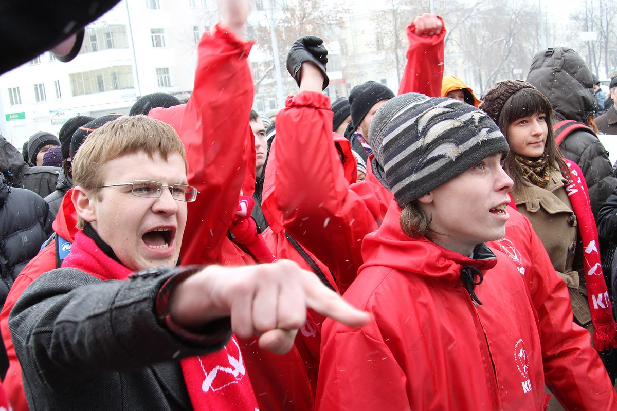 Разгонять митинги в РФ будут только контрактники
