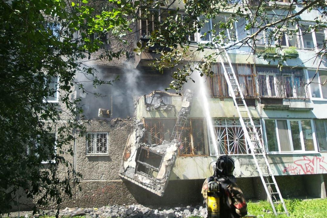 Мужчина, пострадавший при взрыве на Сыромолотова, скончался в больнице