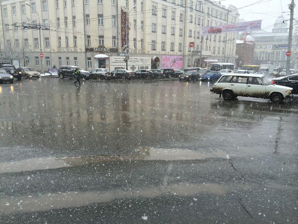 Мэрия Екатеринбурга: выпавший снег не представляет опасности