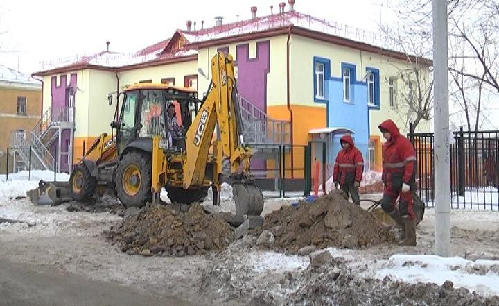 Экскаваторщик раскопал боевой снаряд в нескольких метрах от детсада на Уралмаше