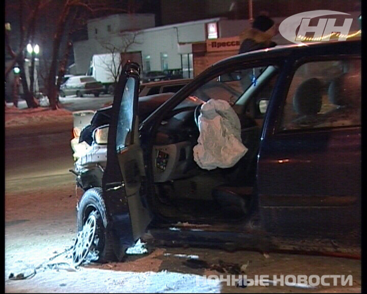 На Эльмаше Citroen вытолкнул Renault на пешеходный переход
