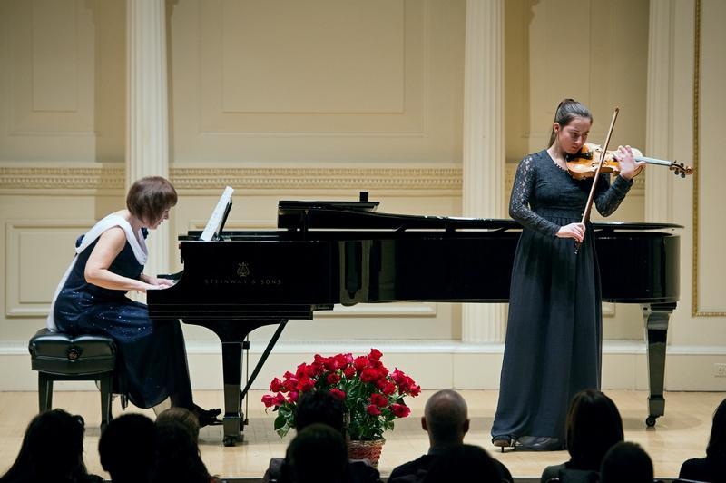 Уральская скрипачка выступила в Карнеги-холле