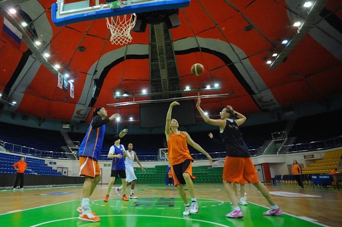 Баскетболистки УГМК одержали победу над «Авенидой» из Испании