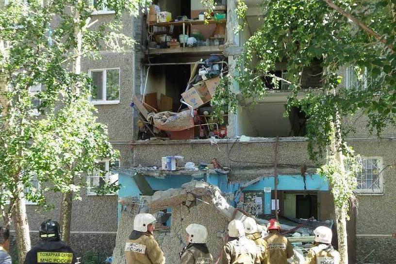 Очевидцы: взрыв в доме на ЖБИ мог устроить пьяный жилец